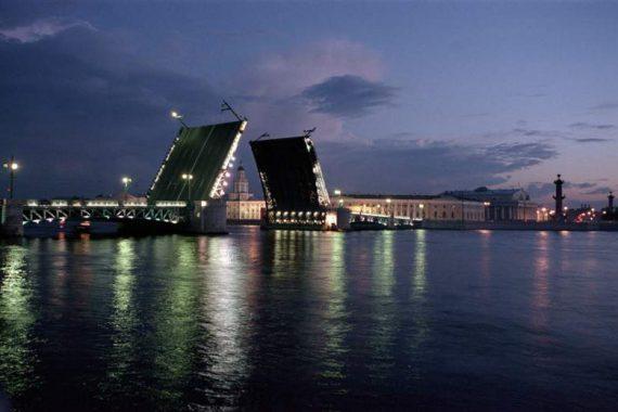 В Петербурге сменяется власть?